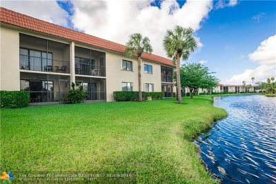 Weston Condo/Townhouse Backup Contract-Call LA: 390 Lakeview Dr #103