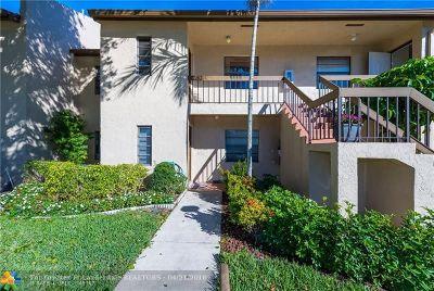 Boca Raton Condo/Townhouse For Sale: 8315 Casa Del Lago #4F