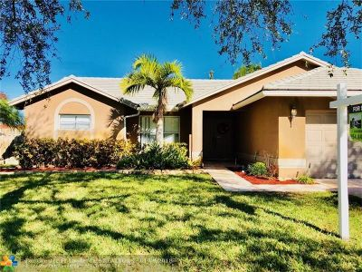 Plantation Single Family Home For Sale: 5303 SW 11th St