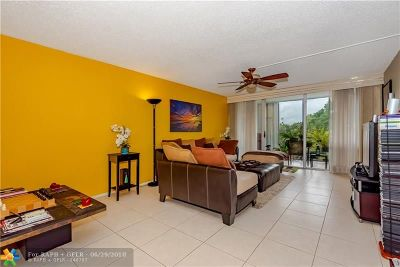Plantation Condo/Townhouse For Sale: 6923 Cypress Rd #D11