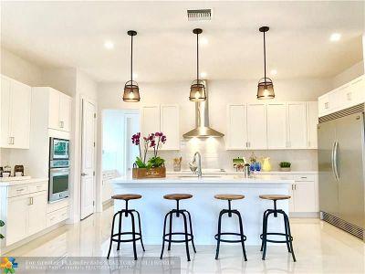Davie Single Family Home For Sale: 7610 Cavalia Dr