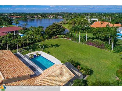 Boca Raton Single Family Home For Sale: 8235 Twin Lake Dr