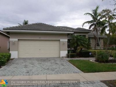 Broward County Single Family Home For Sale: 1617 Blue Jay Cir