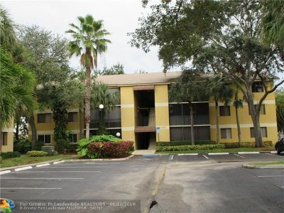 Oakland Park Condo/Townhouse For Sale: 3005 N Oakland Forest Dr #202