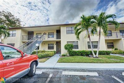 Lake Worth Condo/Townhouse For Sale: 3529 Englewood Dr #322