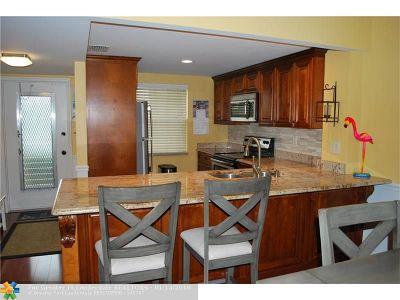 Boca Raton Condo/Townhouse For Sale: 9842 Marina Blvd #712