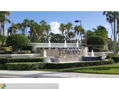 Boynton Beach Condo/Townhouse For Sale: 3301 W Tuscany Way #3301