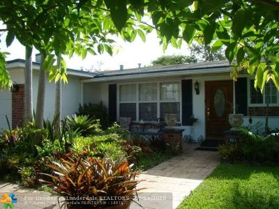 Broward County Single Family Home For Sale: 701 NW 96th Ter