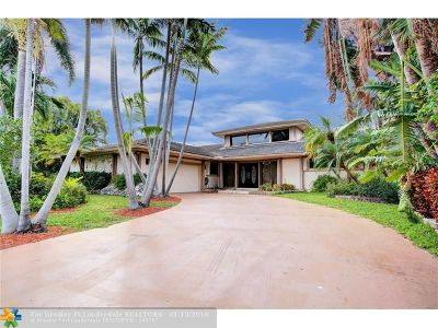 Hallandale Single Family Home For Sale: 618 Hibiscus Dr