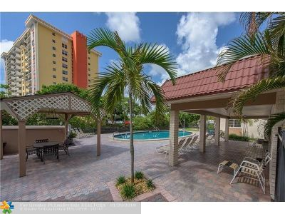 Wilton Manors Condo/Townhouse For Sale: 12 NE 19th Ct #219A