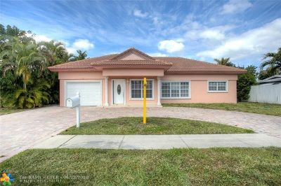 Deerfield Beach Single Family Home For Sale: 909 SE 13th Ct