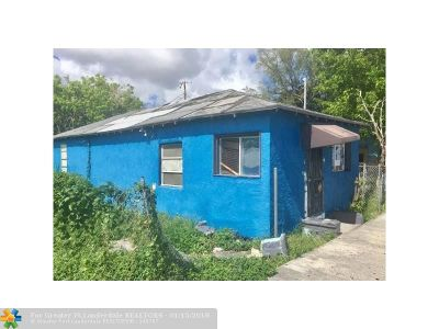 Miami Multi Family Home For Sale: 6874 NW 18th Ave