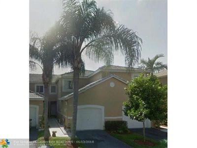 Weston Condo/Townhouse For Sale: 1928 Madeira Dr #1928