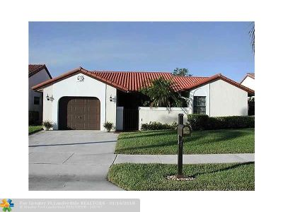 Deerfield Beach Single Family Home For Sale: 23 Capitol Ct