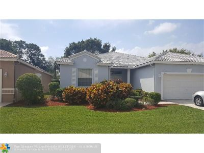 Boynton Beach Single Family Home For Sale: 5844 Seashell Ter