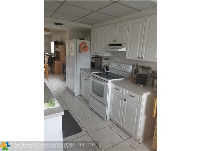 Pembroke Pines Condo/Townhouse For Sale: 1200 SW 125th Ave #315 L