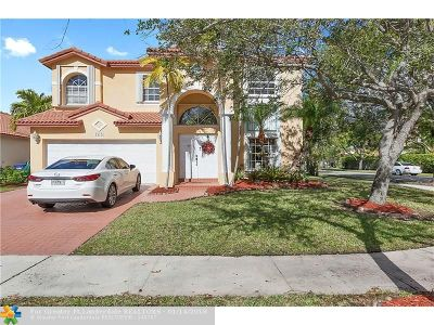 Pembroke Pines Single Family Home For Sale: 18423 NW 9th St