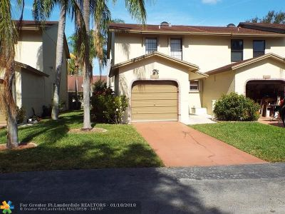 Boca Raton Condo/Townhouse For Sale: 8939 SW 21st Ct #A