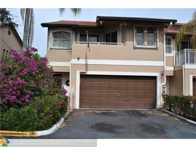 Coral Springs Condo/Townhouse For Sale: 4953 Riverside Dr #4953