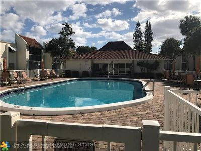 Deerfield Beach Condo/Townhouse For Sale: 1428 SE 4th Ave #A-104