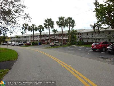 Pompano Beach Condo/Townhouse For Sale: 800 Pine Dr #3