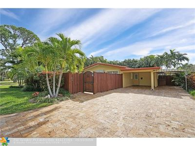 Wilton Manors FL Single Family Home For Sale: $425,000