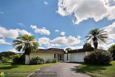 Broward County Single Family Home For Sale: 5808 Australian Pine Dr