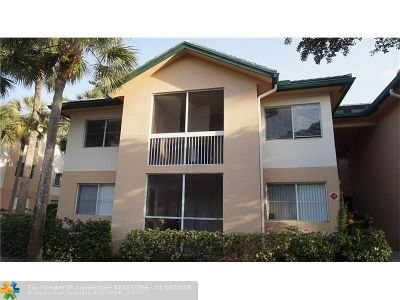 Coral Springs Condo/Townhouse For Sale: 9899 Westview Dr #528