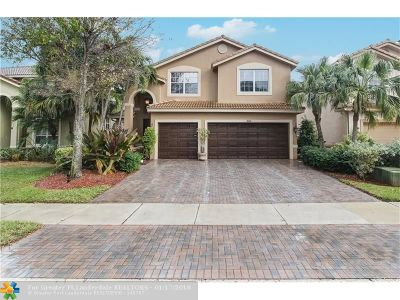 Delray Beach Single Family Home For Sale: 1655 E Classical Blvd
