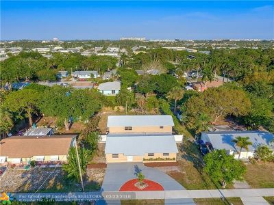 Jupiter Single Family Home For Sale: 407 N Loxahatchee Dr