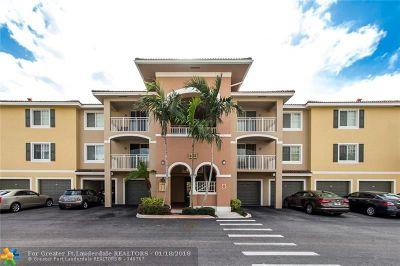 West Palm Beach Condo/Townhouse For Sale: 6450 Emerald Dunes Dr #304