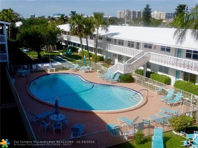Lauderdale By The Sea Condo/Townhouse For Sale: 228 Hibiscus Ave #335