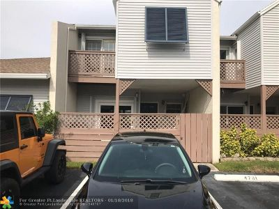 Margate Condo/Townhouse For Sale: 4763 S Hemingway Cr #67