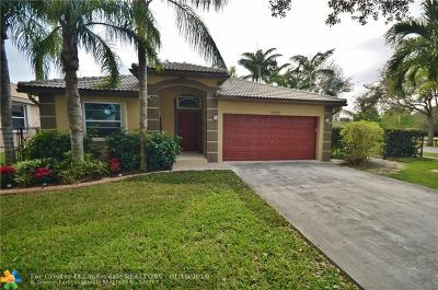 Cooper City Single Family Home For Sale: 10250 SW 58th St