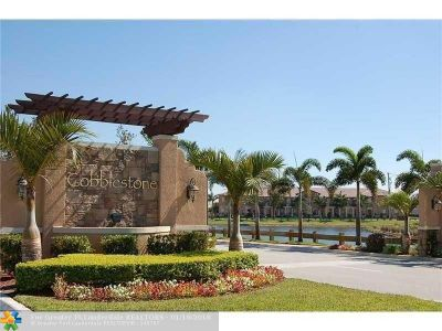 Pembroke Pines Condo/Townhouse For Sale: 461 SW 147th Ave #204