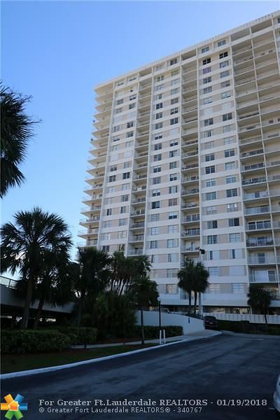 Sunny Isles Beach Condo/Townhouse For Sale: 300 Bayview Dr #301