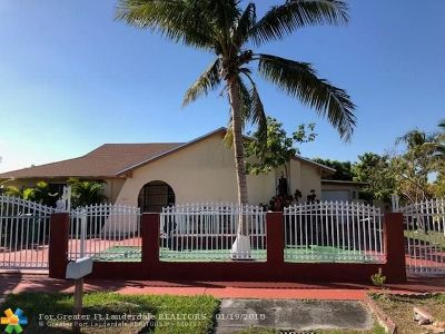 Miami Single Family Home For Sale: 20610 SW 125th Ct
