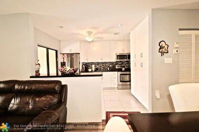 Boca Raton Single Family Home For Sale: 22398 Benidorm Dr