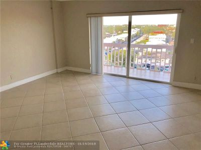 Fort Lauderdale Condo/Townhouse For Sale: 2900 NE 30th St #A-8