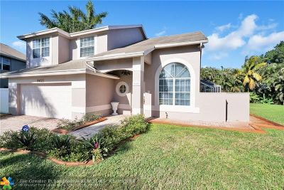 Pembroke Pines Single Family Home For Sale: 9621 SW 16th Ct