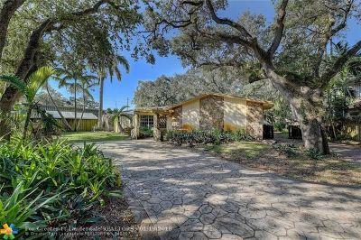 Hollywood Single Family Home For Sale: 5961 SW 37th Av