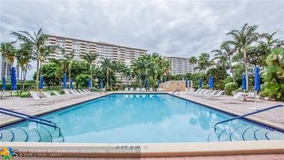 Fort Lauderdale Condo/Townhouse For Sale: 3300 NE 36th St #1621