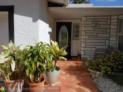 Plantation Single Family Home For Sale: 720 NW 46th Ave
