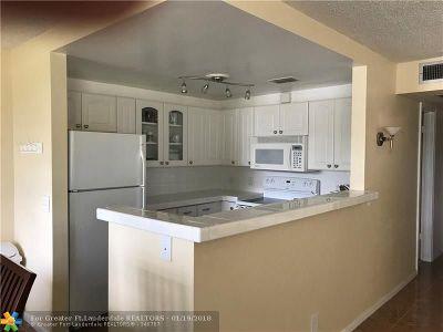 Deerfield Beach Condo/Townhouse For Sale: 130 Harwood J #130