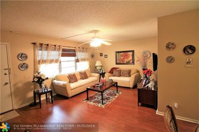 Pembroke Pines Condo/Townhouse For Sale: 13250 SW 7th Ct #216L