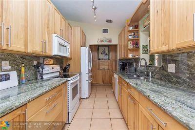 Hollywood Single Family Home For Sale: 1530 Shenandoah St