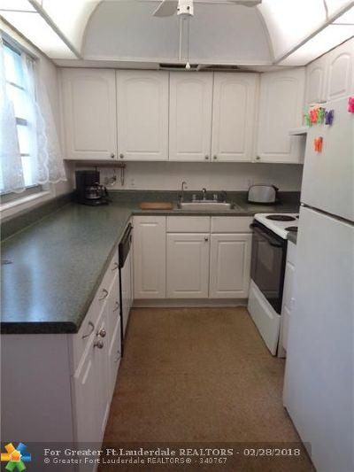 Deerfield Beach Condo/Townhouse For Sale: 81 Upminster D #81