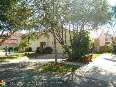 Plantation Single Family Home For Sale: 9520 NW 18th Dr