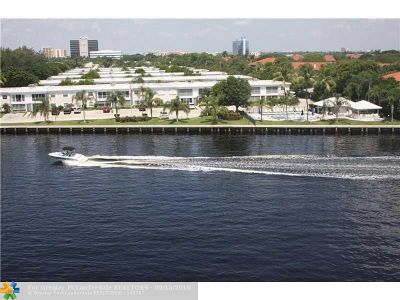 Fort Lauderdale Condo/Townhouse For Sale: 6339 Bay Club Dr #4