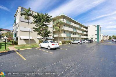 Hallandale Condo/Townhouse For Sale: 1333 E Hallandale Beach Blvd #103